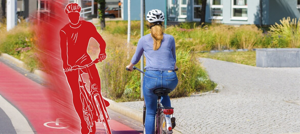 Stilisierter Geister Fahrradfahrer, der auf der falschen Seite der Strasse fährt und mit einer Radfahrerin kollidiert
